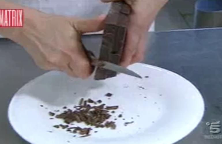 Matrix canale 5 cioccolato Nicola Porro